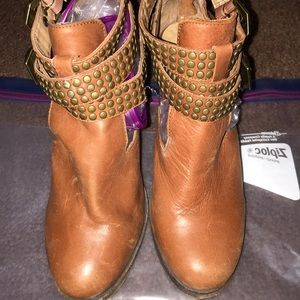 Vintage by Jeffrey Campbell brown distressed boot